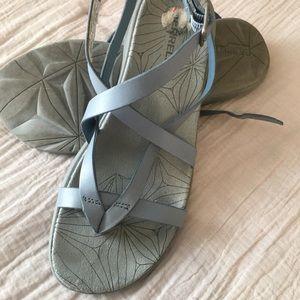 Merrell Leather Sandals in EUC